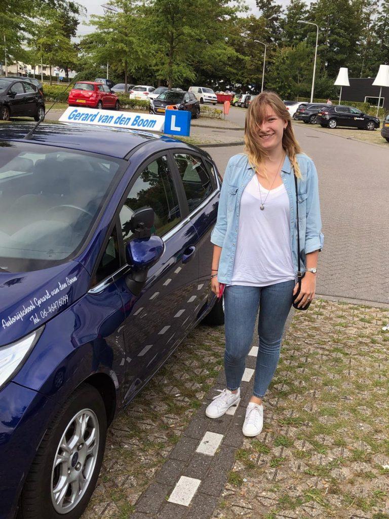 Lonneke Veldstra